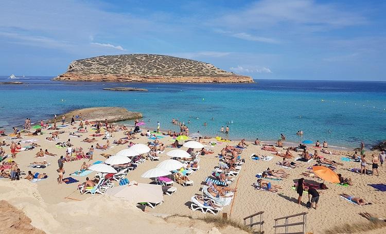 Ibiza a giugno: 7 giorni a 163€ Volo+Soggiorno » Viaggiafree