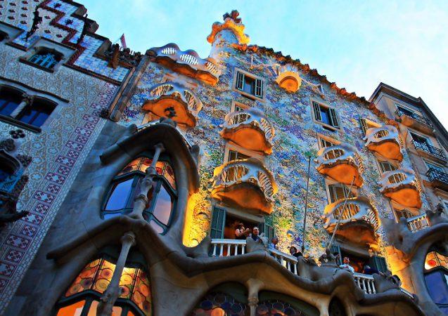 Barcellona ad agosto: 4 giorni a 211€ Volo+Soggiorno ...