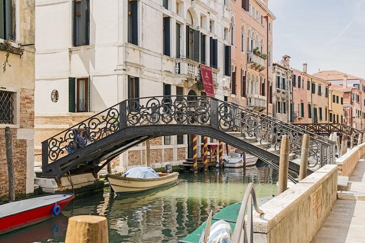 Capodanno a venezia 2019 a 136 volo soggiorno viaggiafree for Soggiorno a venezia